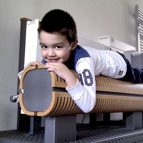 Grzejnik Knockonwood DBE - bezpieczny dla dzieci