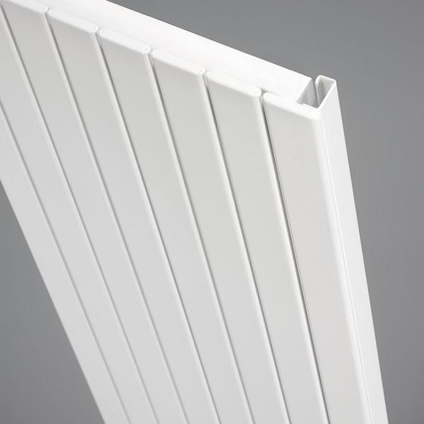 Grzejnik pionowy Panel Plus - detal