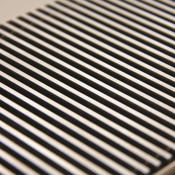 Micro Canal - kratka ze stali nierdzewnej w naturalnym kolorze