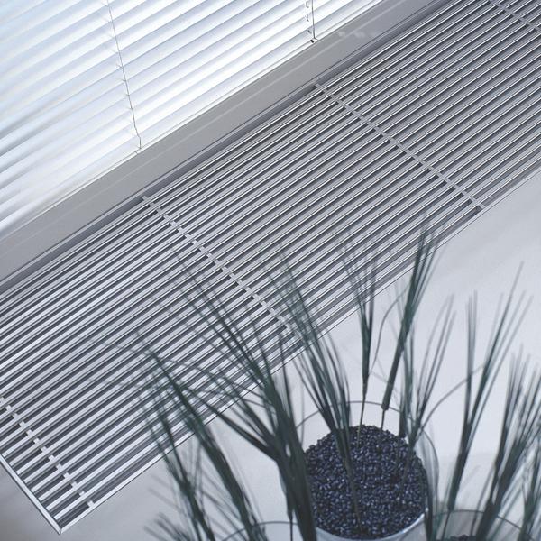 Grzejnik Jaga - Canal z kratką aluminiową DNA